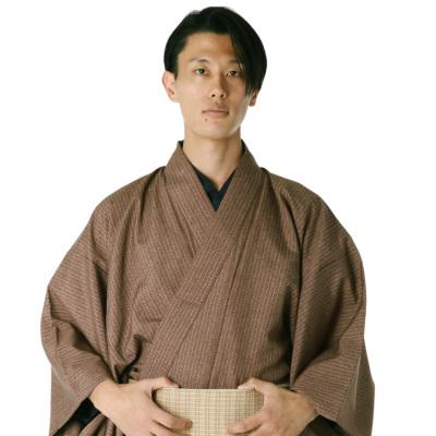 男着物 洗える着物 東レシルック 小紋 袷 茶矢羽縞 モデル着用 (6894)